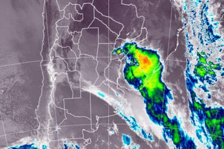 Imagen satelital de la tormenta en la mañana del lunes CRÉDITO: Servicio Meteorológico Nacional