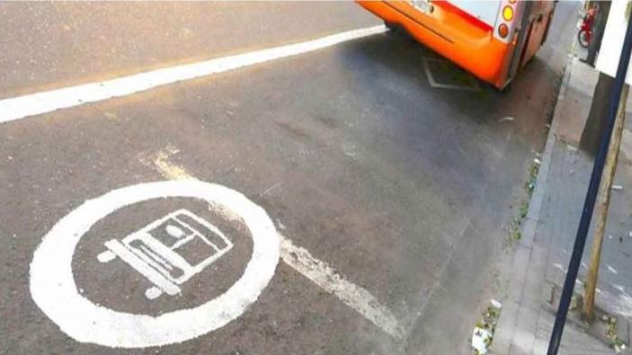 El municipio informó que se reprogramó la habilitación del carril exclusivo en calle San Luis